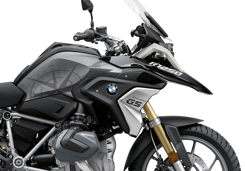 SIG 1048 02 BMW R1250GS Compass Black Metallic Storm 02