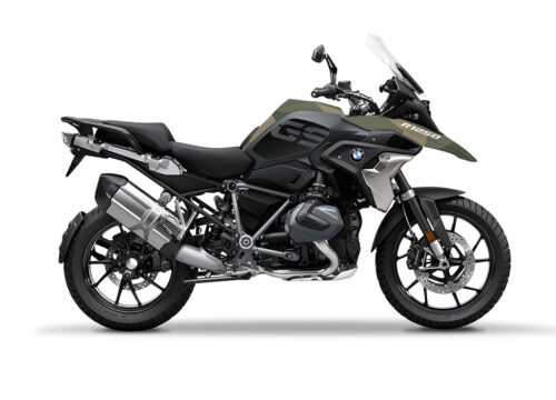 SIG 1051 02 BMW R1250GS Triple Black Military Camo 01