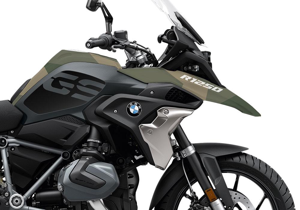 SIG 1051 02 BMW R1250GS Triple Black Military Camo 02