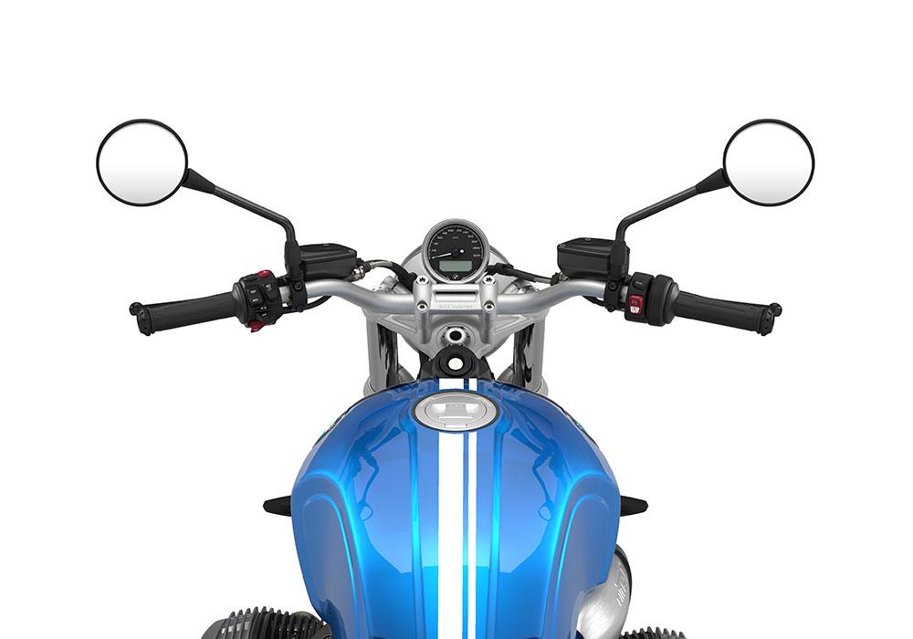 SIG 1066 03 BMW RnineT Scrambler White Double Lines – Cosmic Blue